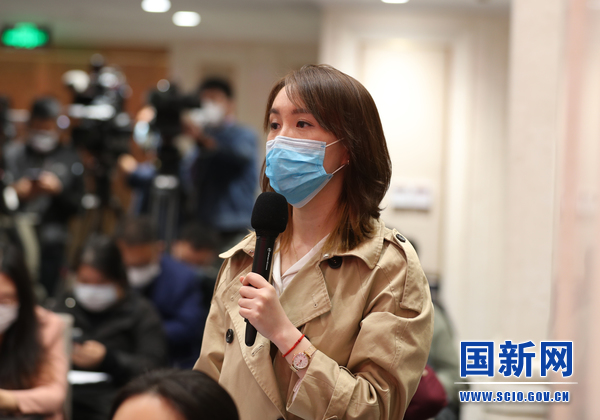 澎湃新闻记者提问_large.jpg